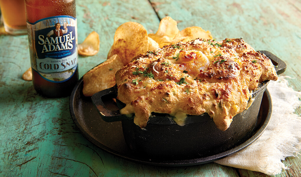 The Lobster and Shrimp Hushpuppy Pie epitomizes clever use of common ingredients at Joe's Crab Shack. Cream cheese lends a dairy element, while cornmeal gives the crust a Southern-style crunch.