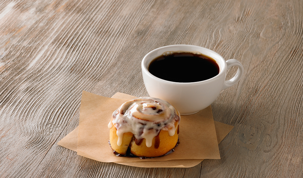 The aromas of Cinnabon's baked goods trigger homey memories and flavor cravings. The Minibon is sized right for a lighter dose of the classic roll's craveability.